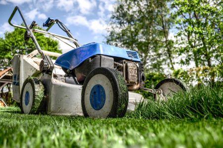 Hovenier knapt tuin op, maar factuuradres is onbekend.